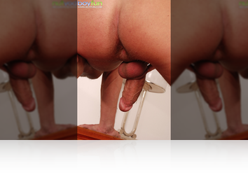 Sunday, November 23rd: Richi gets naked and spreads it wide for the camera! from BoyFun