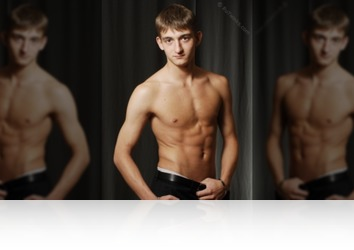 Thursday, January 8th: Kristjan Glamour